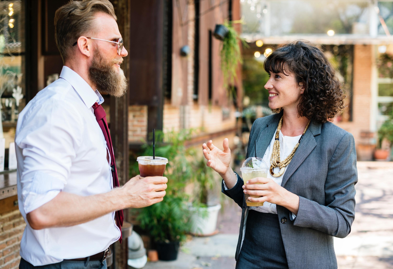 Dva freelanceři se potkali na akci a při společném hovoru zjistili, že mohou spolupracovat
